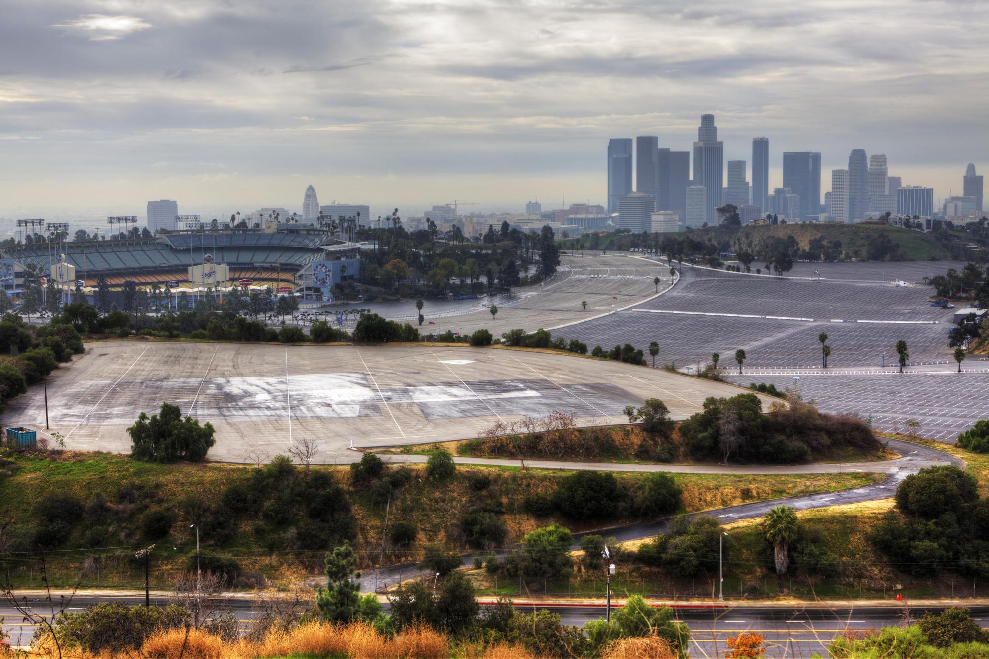ロサンゼルスには既存のスポーツ施設が多数あり、支出を抑えることができた