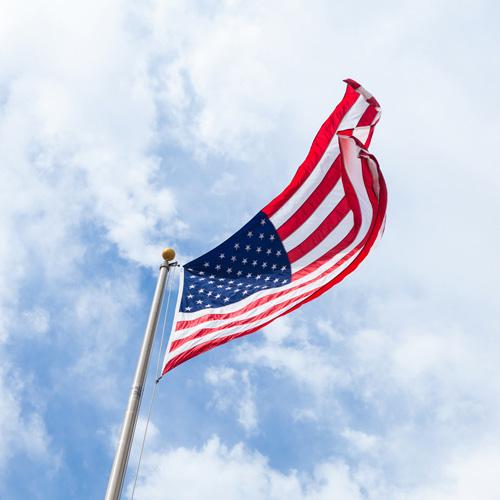 トランプ大統領誕生へ、米国第一主義の政策
