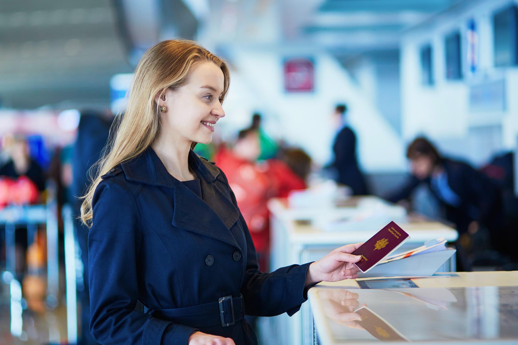 国際線での搭乗券を発行時。「妊婦さんは アップグレードされやすい」は本当か!?