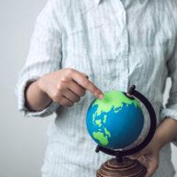 ■地球儀の球体部分は撮影用に描いたもので精度はありません。イメージです。土台部分は既成品です