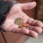 貧困緩和を目的とする、小規模金融「マイクロファイナンス」とは?