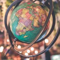 世界的な金利低下の動き